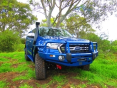Commercial Deluxe Bull Bar to suit Ford Ranger PXII PXIII/Everest (With or Without Tech Pack)