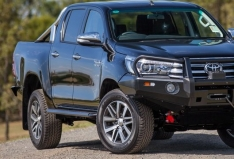 Side Steps and Rails – Toyota Hilux Revo 2015 to 4/2018 and Facelift 5/2018 onwards (Dual Cab model)